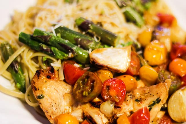 Chicken with Garlic & Tomatoes and Asparagus Pasta