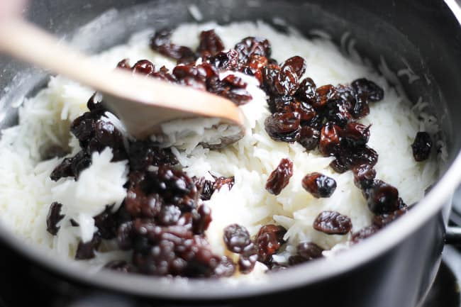 Rice Cooked in Milk with Raisins (Suti Polo)-3