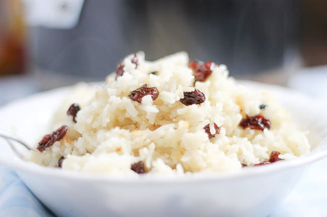Rice Cooked in Milk with Raisins (Suti Polo)-4
