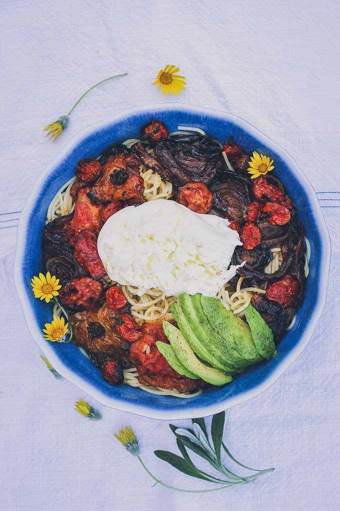 roasted tomato onion avocado burrata pasta-12